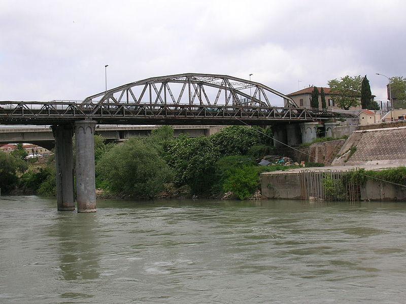 800px-Ponte_industria_roma_1