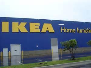"""Case Ikea per i rifugiati a rischio incendio """"Non sono a"""