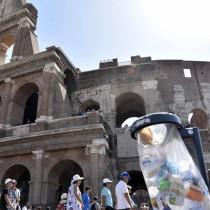 Rifiuti Colosseo (2)