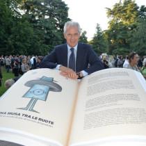 La Pubblicità con la P maiuscola- 800 pubblicità di Pirelli racchiuse in un libro edito da Corraini Edizioni