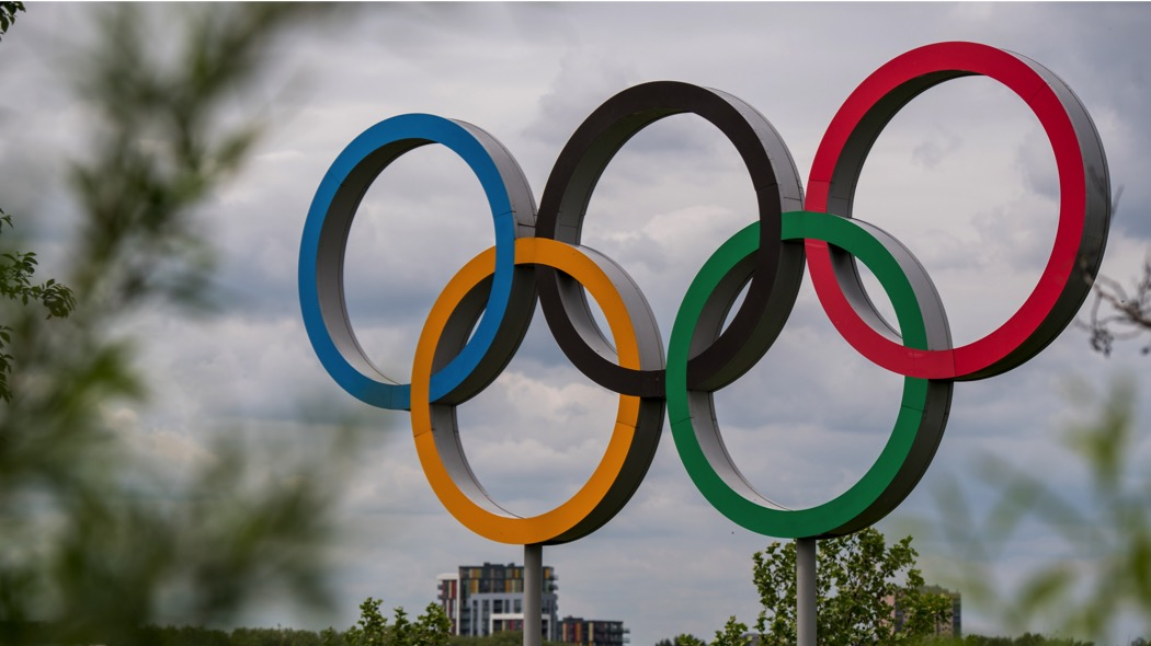 LONDON, ENGLAND - MAY 13:  The Olympic rings are seen at Olympic Park as it is announced that Dame Tessa Jowell has died on May 13, 2018 in London, England. Tessa Jowell was a former Labour party cabinet minister and was instrumental in the campaign to bring the Olympic Games to London. She was also known for her work on Sure Start, a flagship scheme to support children in the early years and her later campaigning on cancer research. She was diagnosed with a brain tumor in May 2017.  (Photo by Chris J Ratcliffe/Getty Images)